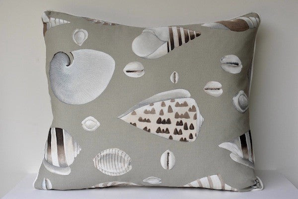 Extra large cushion with shell fabric - L'Atelier Natalia Willmott