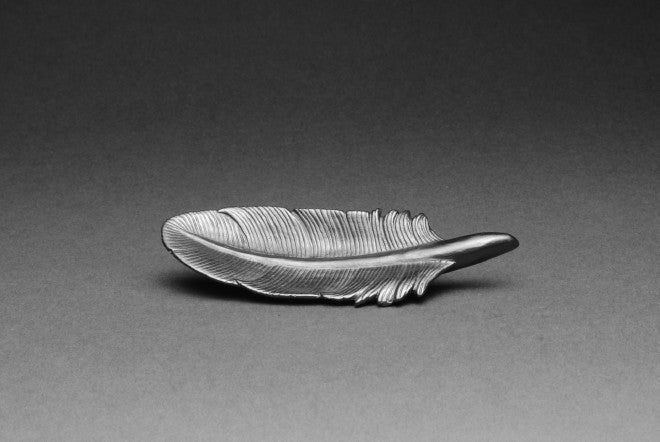 Quill Feather Graphite object - L'Atelier Natalia Willmott
