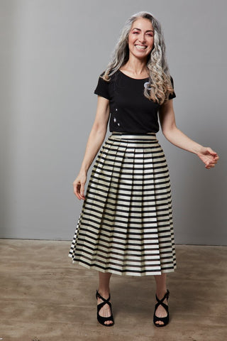 https://the-bias-cut.com/collections/newest-arrivals/products/baum-und-pferdgarten-seanna-skirt?variant=21492432175187
