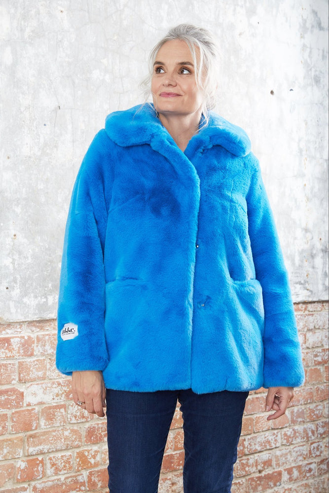 Load image into Gallery viewer, Tilly Azure Blue Faux Fur Coat - Jakke at The Bias Cut