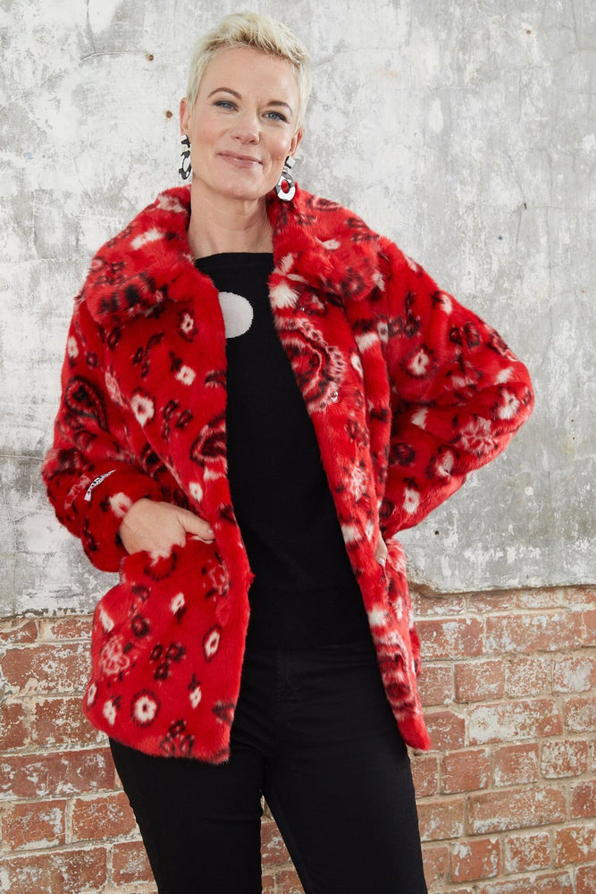 Tilly Red Paisley Faux Fur Coat - Jakke at The Bias Cut