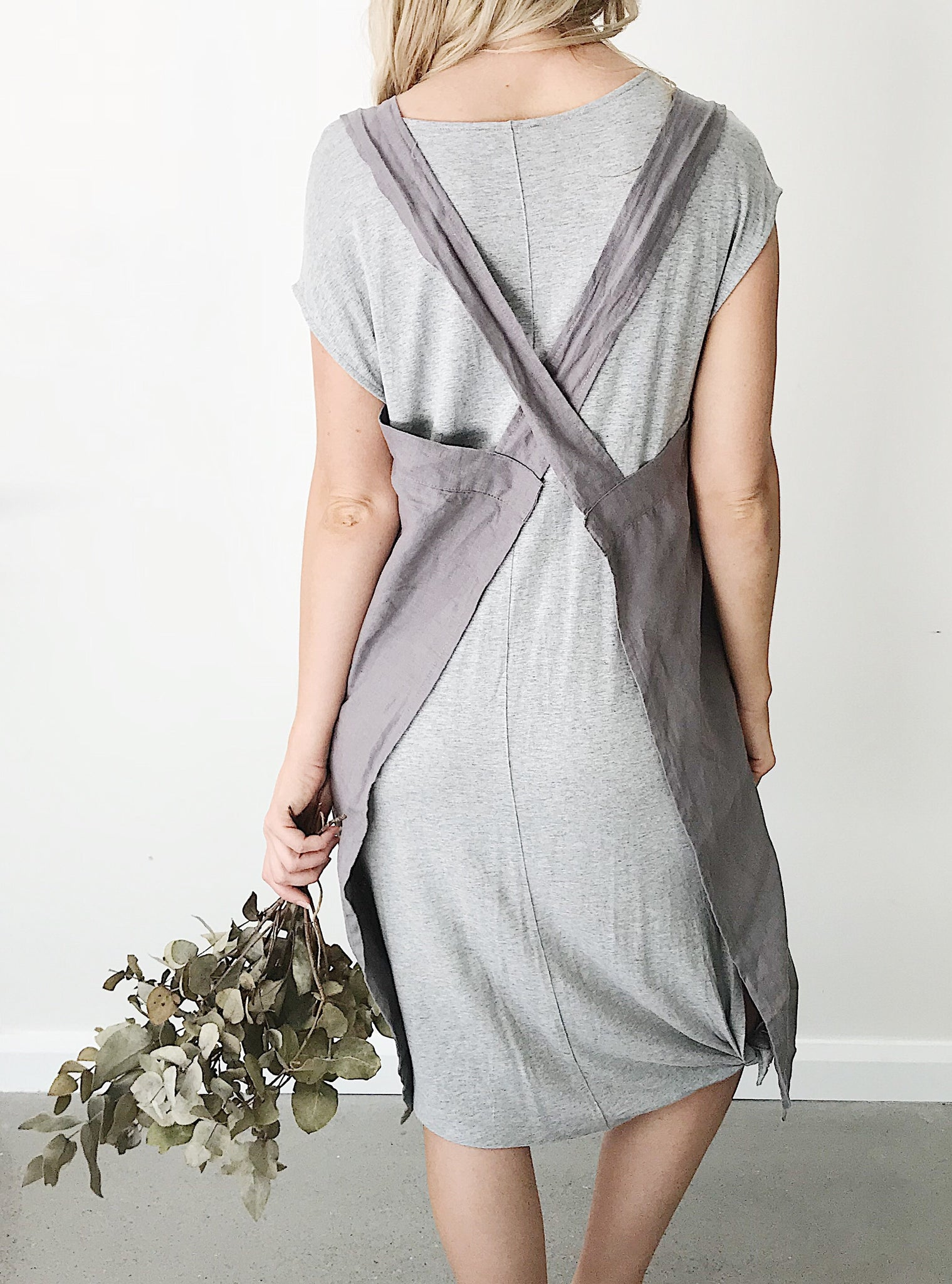'Everyday' Linen Apron - Charcoal