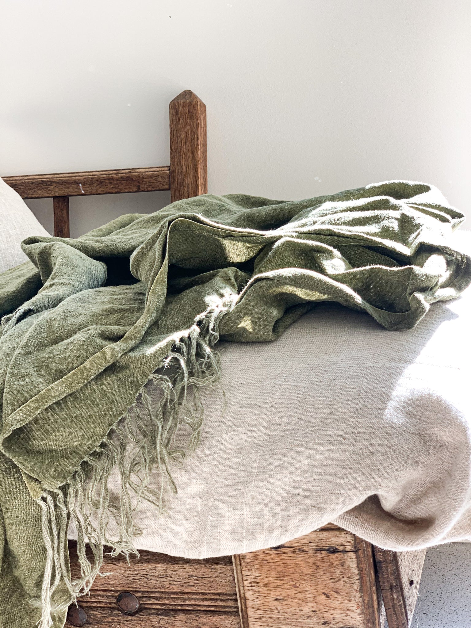 Omala Pure Linen Throw - Dried Herb