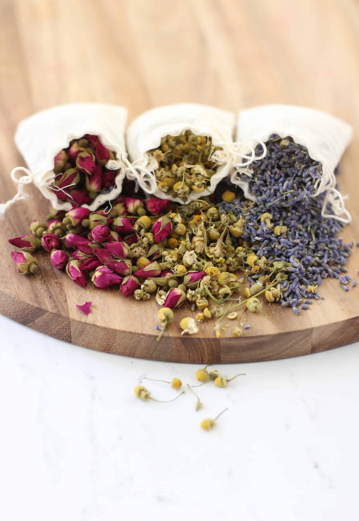 """Sweet Love"" - Herbal Infusion Tea With Rose Petals"