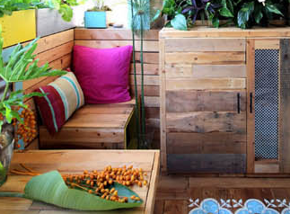 House of Sparkles: Pallet How To – Our Guide On Making Things With Pallets