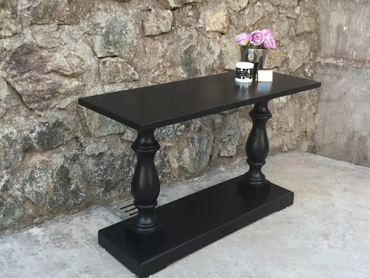 Lincoln Console Table in Black