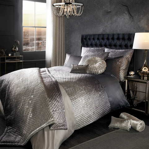 The Gia Duvet Cover