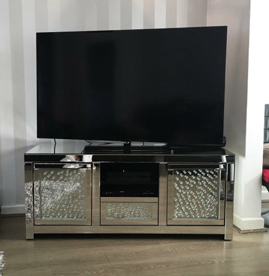 Floating Crystal Mirrored Media Unit