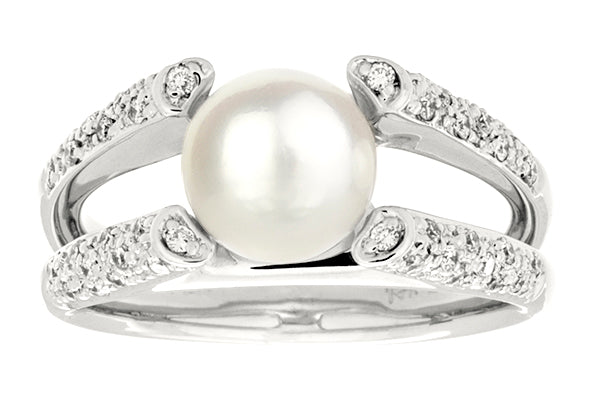 14K White Gold Ring with Japanese Akoya Pearl and Diamonds