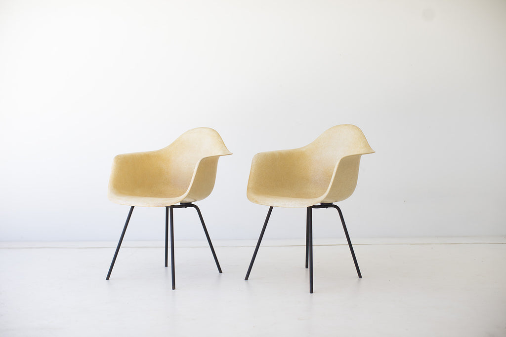 Charles And Ray Eames Early X Base Shell Chairs For Herman Miller   01181619