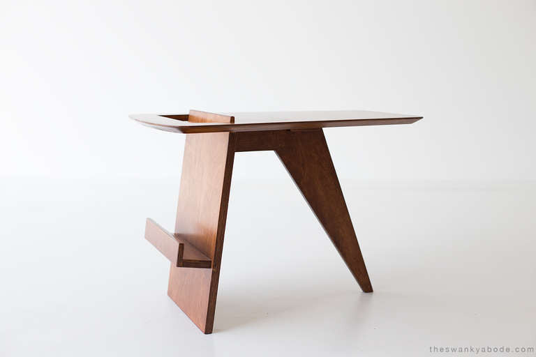 Jens-Risom-Magazine-Table-Jens-Risom-Inc-01191610-01