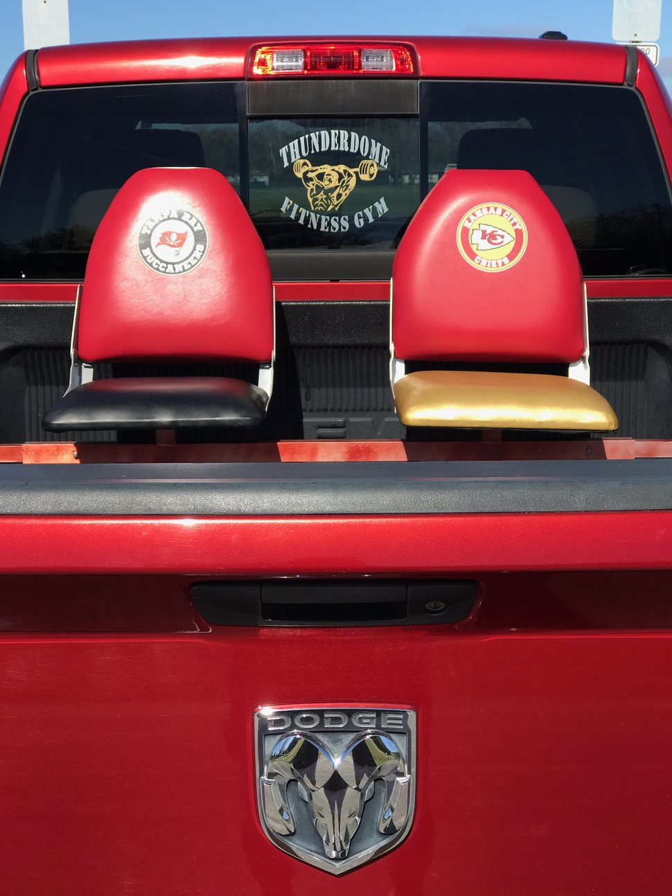 Truck bed seats