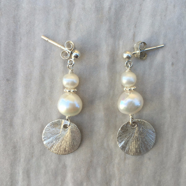 White Pearl Earrings With Round Silver E-1