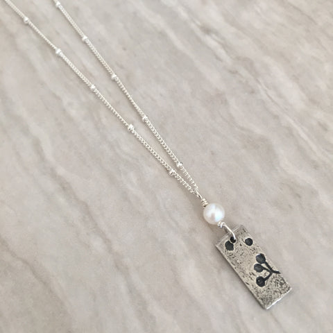 White Pearl with imprinted Silver Bar Necklace N-24