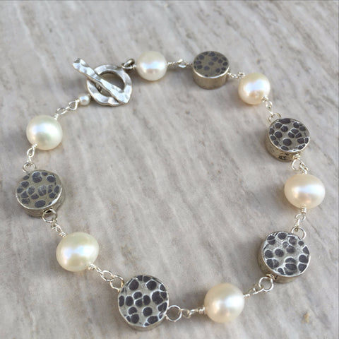 White Pearl With Puffed Silver Beads Bracelet B-2