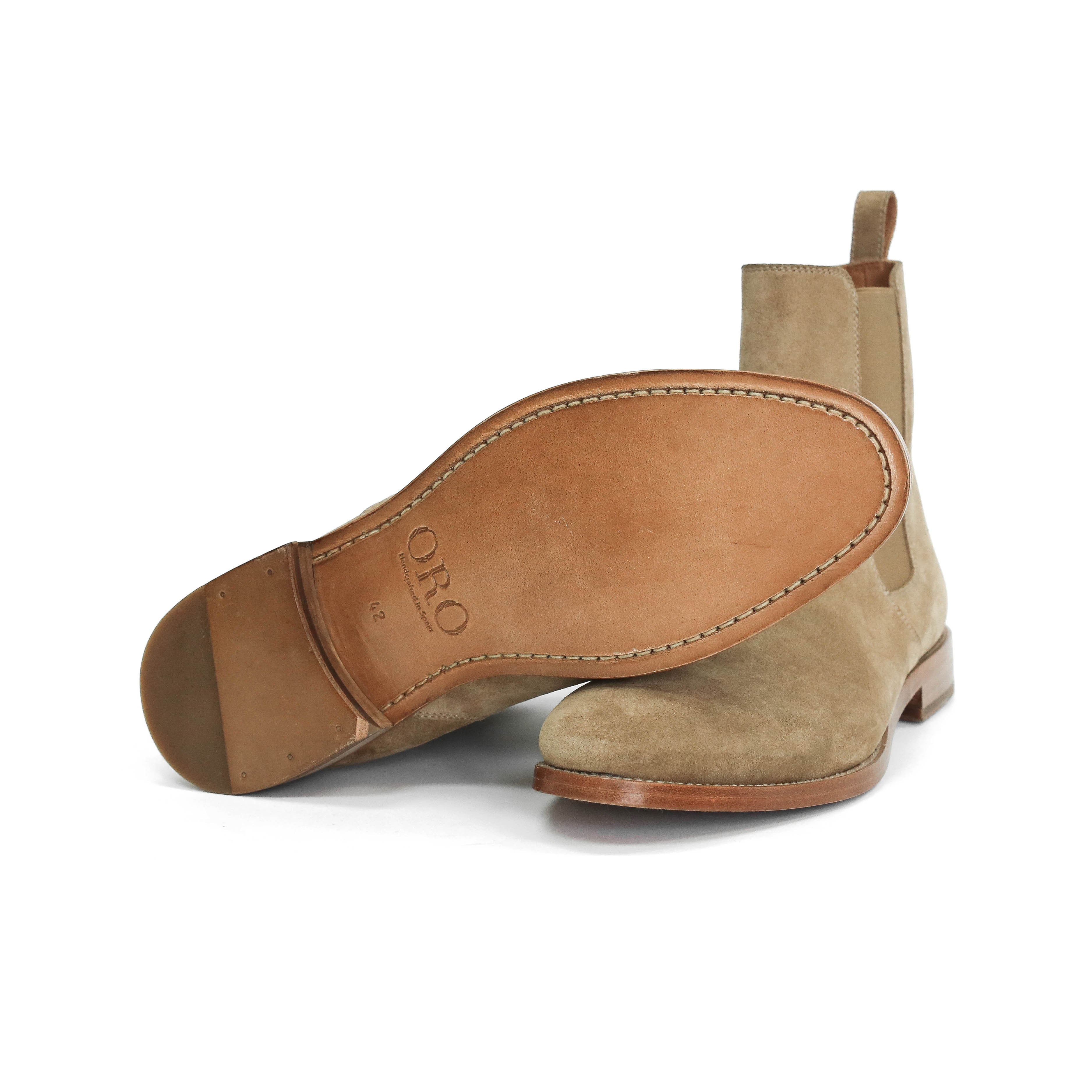 Classic Tan Chelsea Boot Look 2