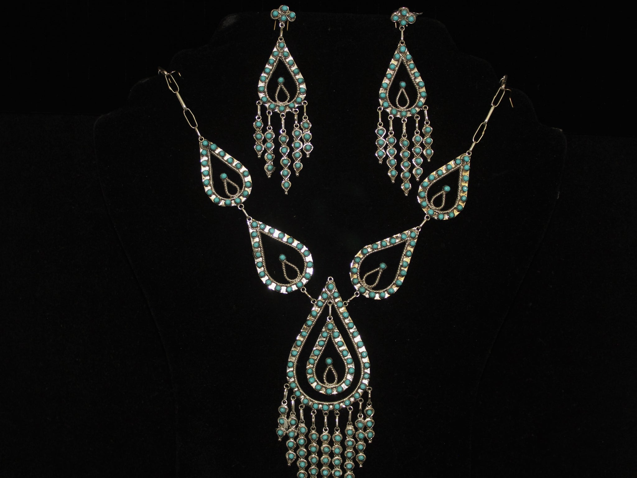Petit Point Cluster Teardrop Necklace Set