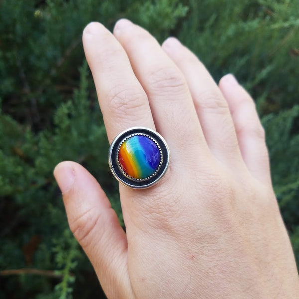Shadowbox Round Rainbow Ring