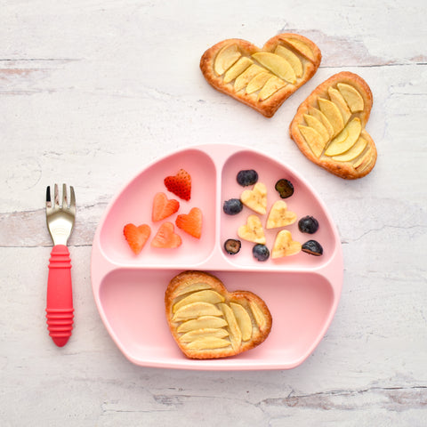apple tarty pastry in toddler plate