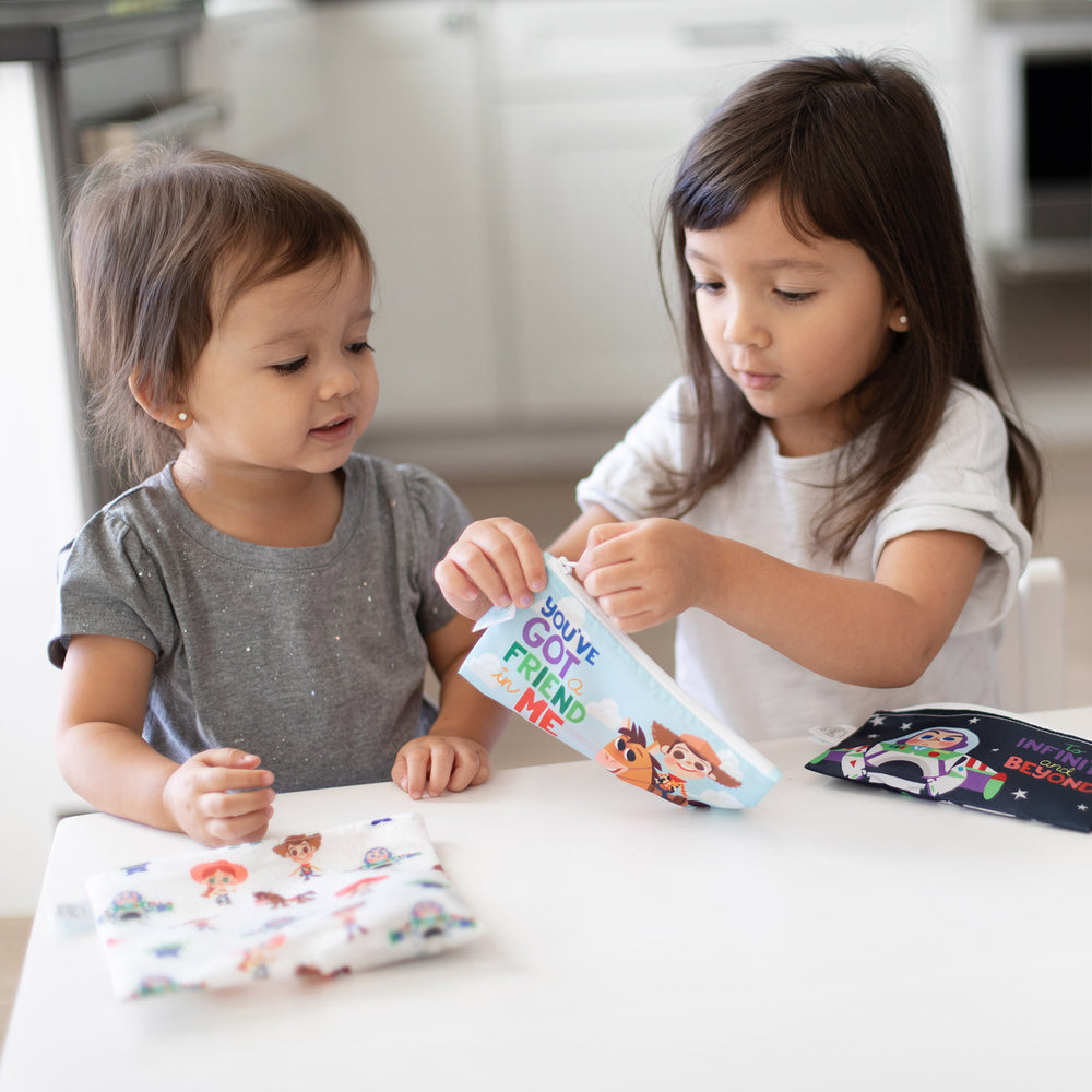 kids using toy story reusable snack bags