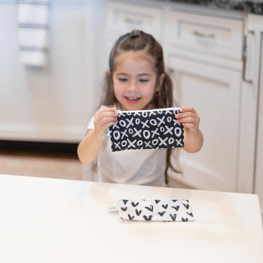 Reusable Snack Bag, Small 2-Pack: XOXO & Hearts