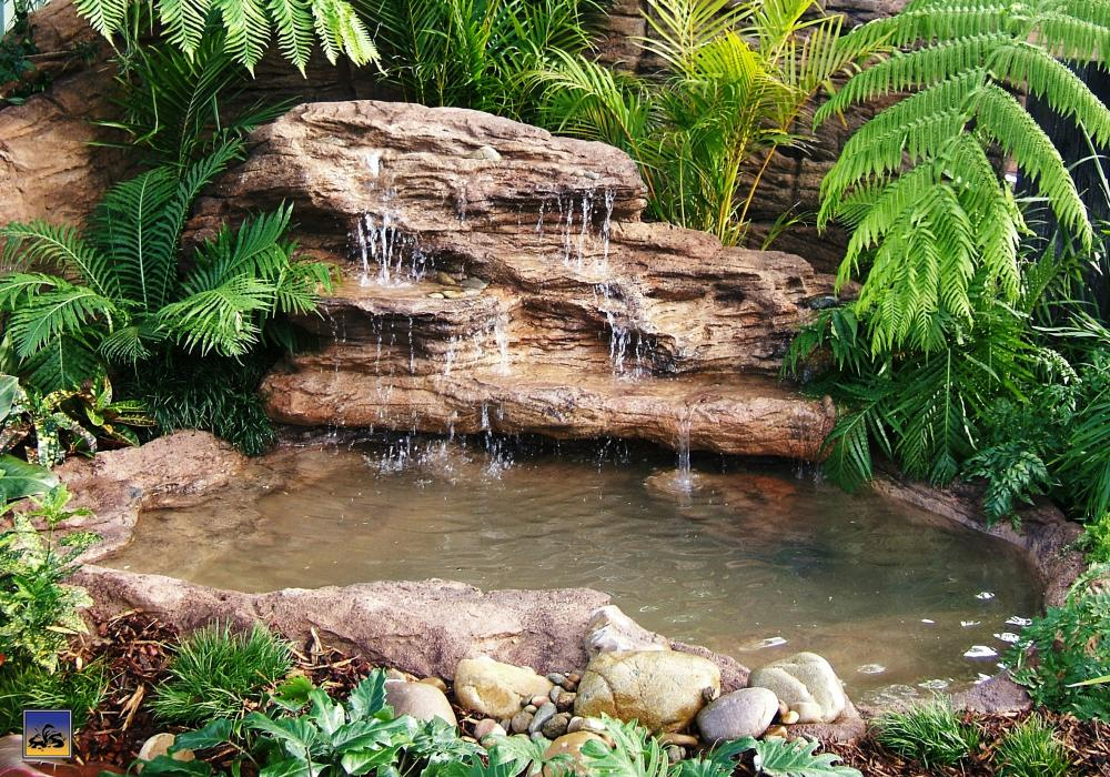 Majestic Falls - Complete Pond Kit by Universal Rocks