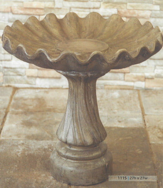Birdbath - Swirl Base - Clamshell Top
