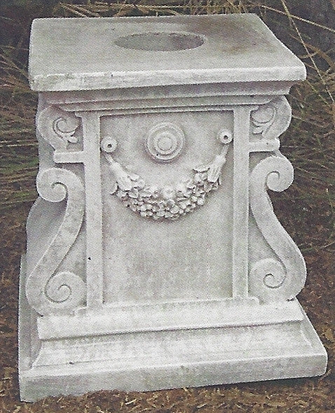 Photo of Pedestal - Swag  - Marquis Gardens