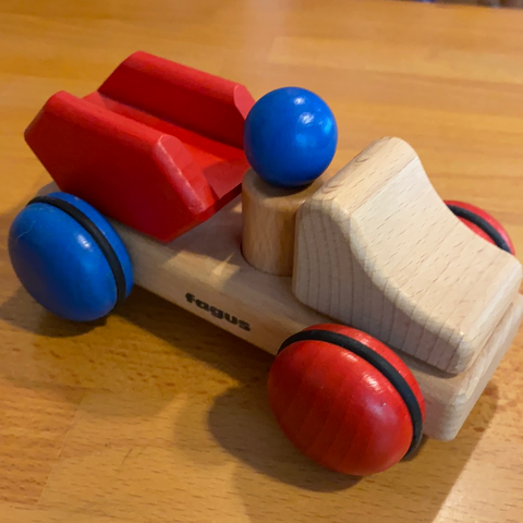 Fagus wooden car