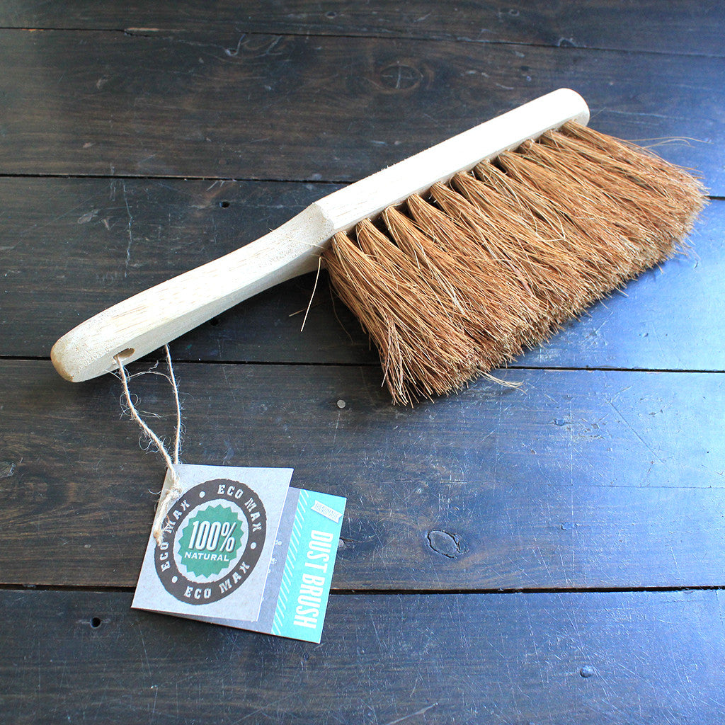 natural dust brush