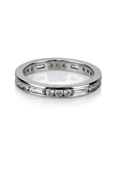 Precision Set Baguette & Round Diamond Band