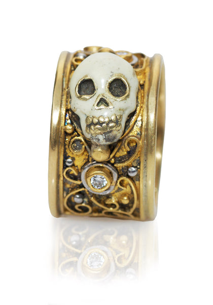 Melinda Risk Skull Ring Yellow Gold