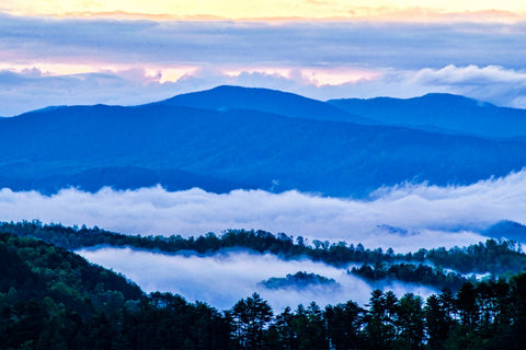 Sunrise photo of a Smoky Mountain Valley