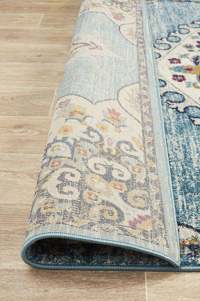 Farrar Traditional Medallion Rug - Blue