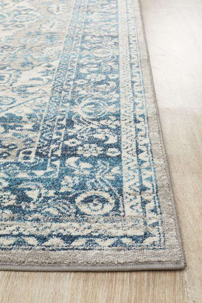 Julian Traditional Rug