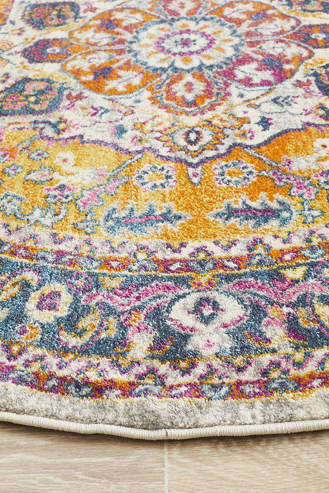 Yettem Traditional Round Rug