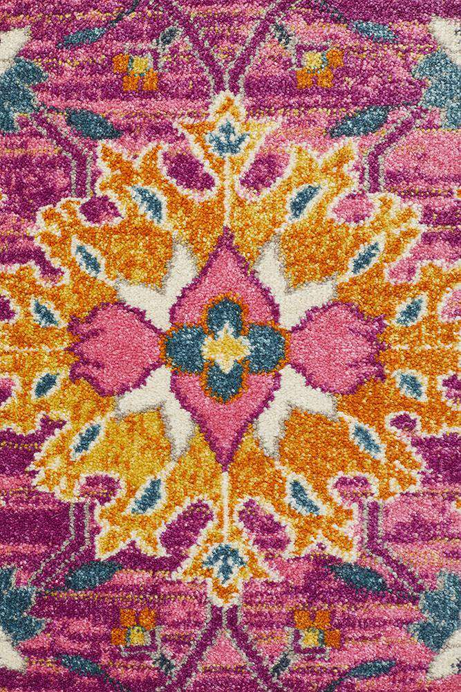 Lisse Traditional Rug - Fuchsia - Simple Style Co