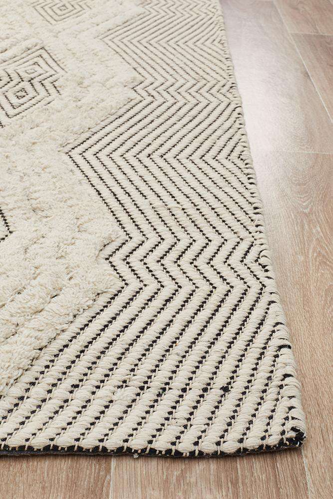 Mandvi Textured Tribal Rug - Simple Style Co