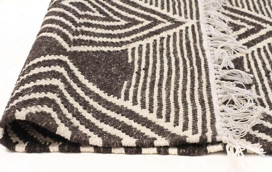 Alexandria Diamond Rug - Charcoal