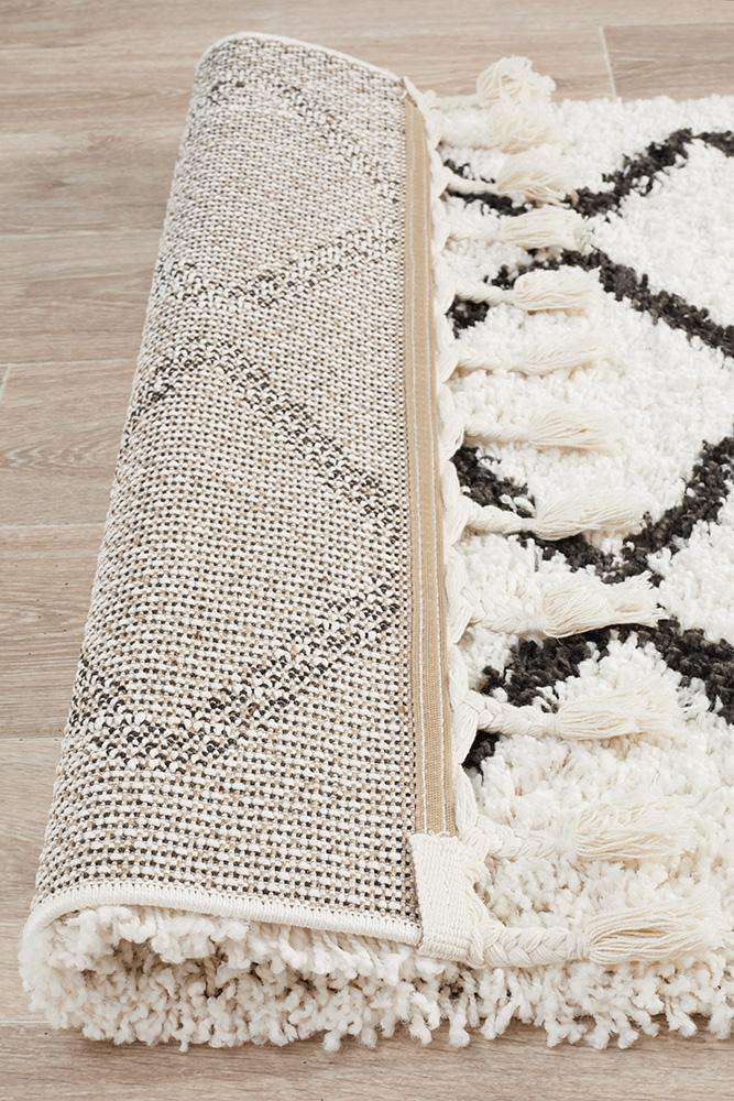 Saffron 11 White Runner Rug - Simple Style Co