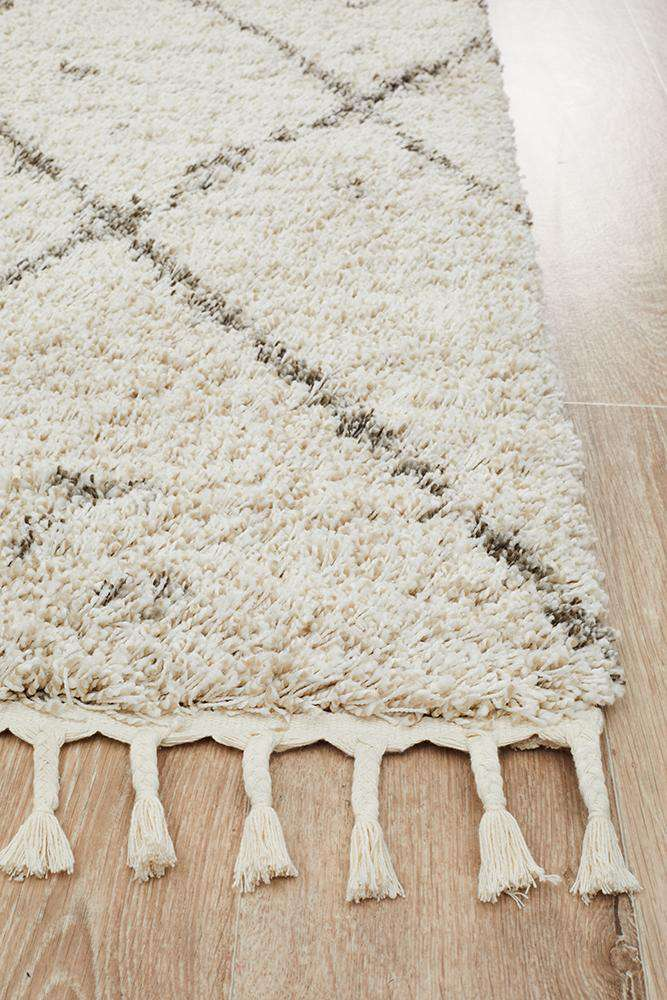 Nahla Fringed Tribal Rug - Natural - Simple Style Co