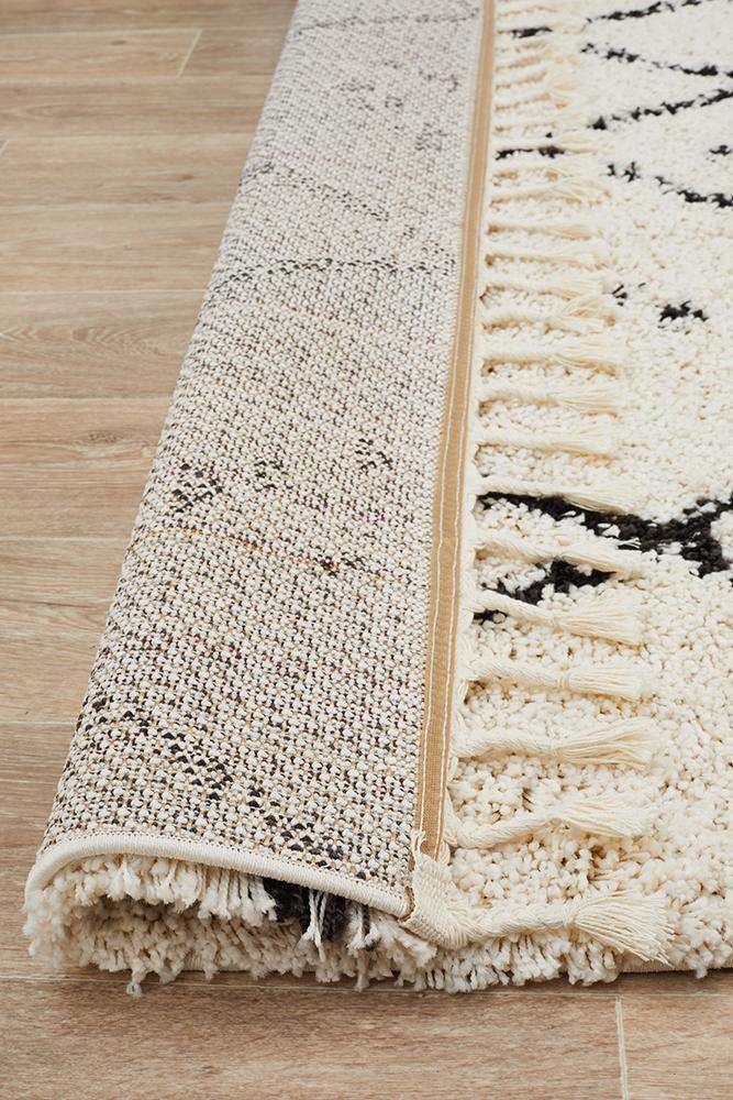 Nahla Fringed Tribal Rug - White