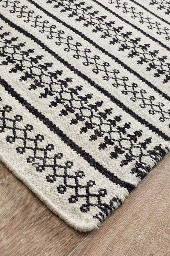 Simple Style Co: Kanta Lace Wool Rug White