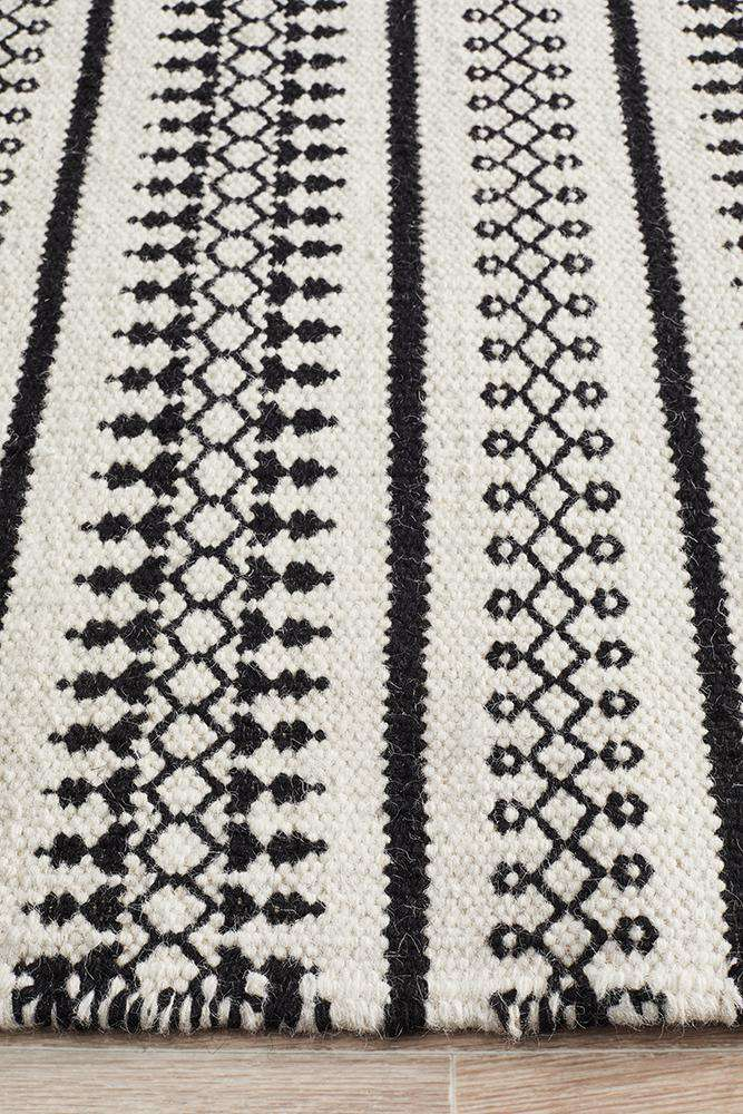 Kanta Lace Wool Rug - White - Simple Style Co