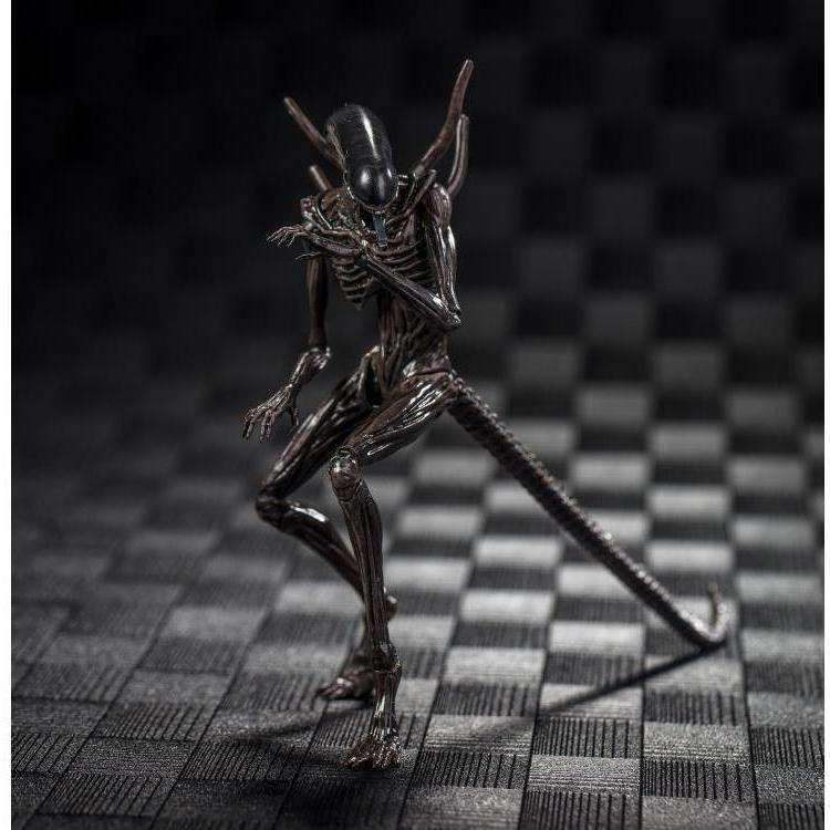 Alien: Covenant Xenomorph 1/18 Scale Figure - Q2 2019