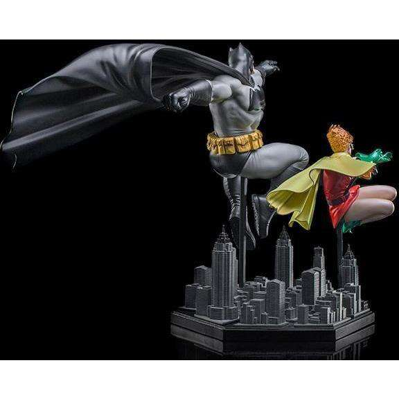 The Dark Knight Returns Batman & Robin (Frank Miller Edition) 1/10 Art Scale Statue - Q2 2019