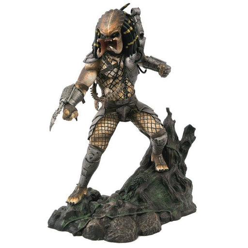Predator Gallery Unmasked Statue - San Diego Comic-Con 2020 Previews Exclusive - AUGUST 2020
