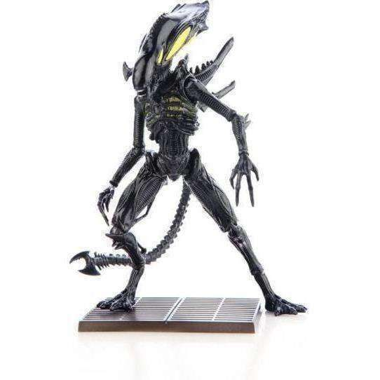 Aliens: Colonial Marines - 1:18 Scale Alien Spitter Scale Action Figure - NOVEMBER 2019