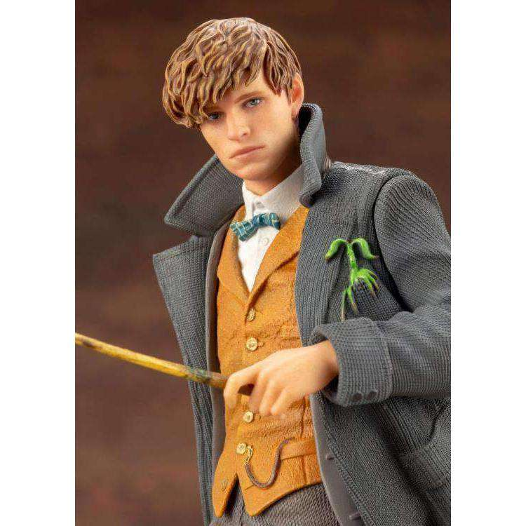Fantastic Beasts: The Crimes of Grindelwald Gellert Grindelwald 1/8 Scale Figure - Q3 2019