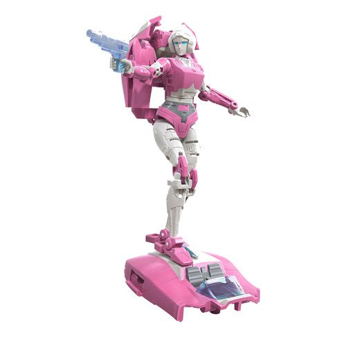 Transformers Generations War for Cybertron Earthrise Deluxe Wave 2 - Arcee - JULY 2020